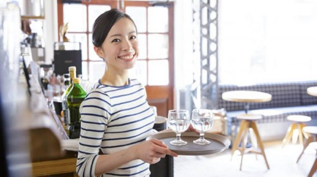 how-to-attract-customers-for-restaurant