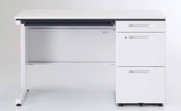 standard-desk-min