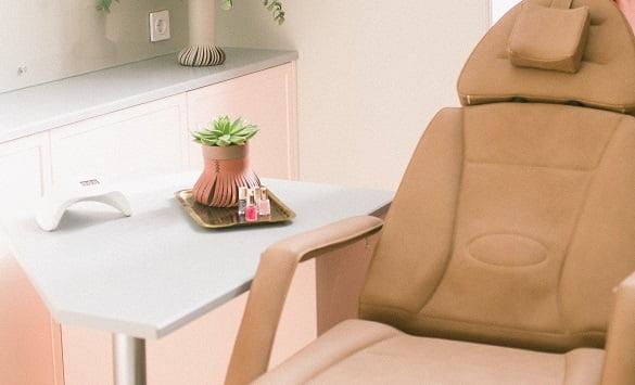 nail-salon-chair-min