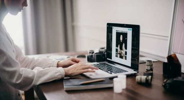 websites-for-photo-retouching-editing-jobs-for-freelancers-and-work-at-home-min